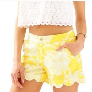 Lilly Pulitzer Buttercup scallop hem shorts,00,EUC